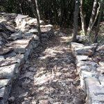 sentier du blaireau: élévation des murets